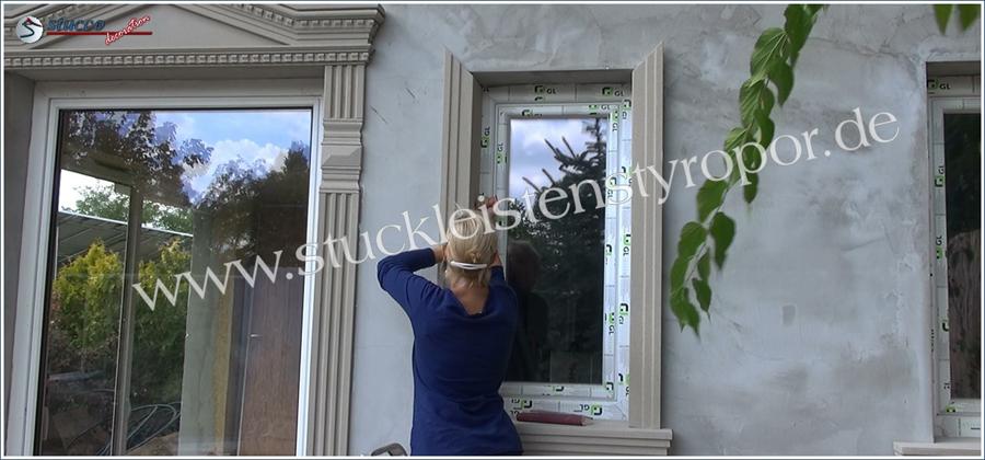 Einbau von Fassadenstuck als Fensterumrandung