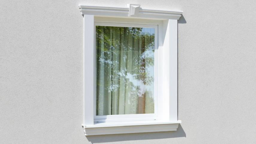 Außenstuck zur Verzierung des Fenstersturzes