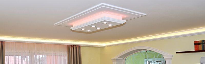 Deckenleuchte aus LED Stuckleisten