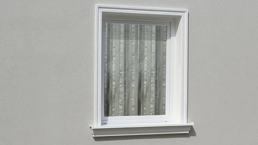 Harmonische Tür- und Fensterumrandung mit Außenstuck aus Styropor