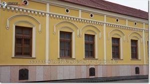 Verzierte Stuckfassade an Altbaugebäude - Sonderanfertigung Fassadenstuck