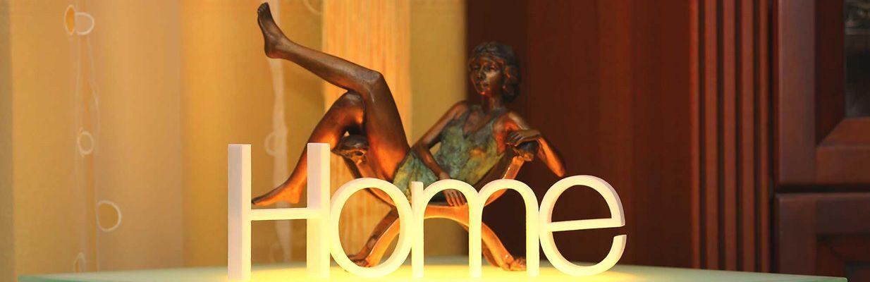 3D Buchstaben - Wort 'Home'