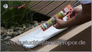 FBS Silikonkleber wellenförmig auf rückseitige Klebefläche auftragen