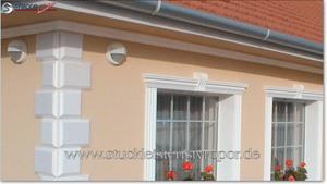 Bossenecken an einer klassischen Hausfassade