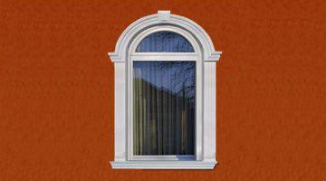 Fensterumrandung mit Bogen