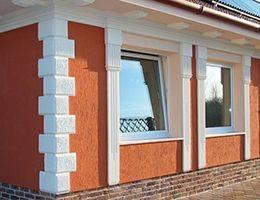 Fassadenstuck für Fensterverzierung mit Bogenbekrönung