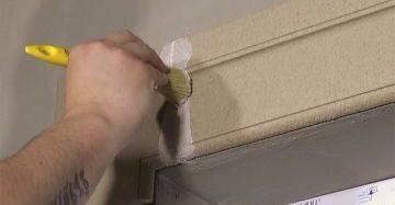 verdünnte Beschichtungsmasse mit dem Pinsel auftragen