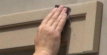 Stossfugen mit Schleifpapier glaetten