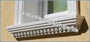 Komplette, beschichtete Fensterbank eingebaut