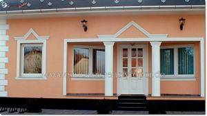 Fassadengestaltung mit Fassadenprofilen und Dekosäulen