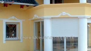 Außenstuck Gesims Fensterverzierung