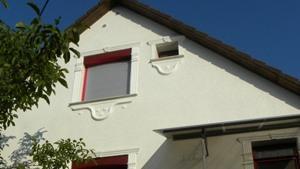 Fassadenprofile und Fensterumrandungen in verschiedenen Größen
