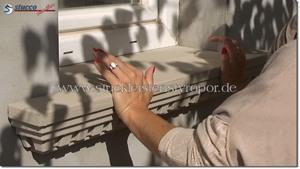 Fensterbänke mit verschiedenen Stuckmustern