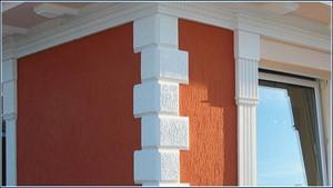 Beschichtete Bossenplatten zum Isolieren der Hausfassade