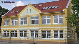 Hausfassade mit Aussenstuck und Gesimse