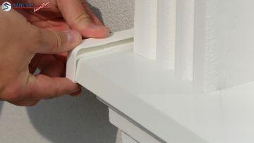 Schutzkappe seitlich auf Fensterbank Aluminium aufstecken