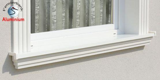 Genau eingesetzte Alu Außenfensterbank Stuckmuster Idaho 105