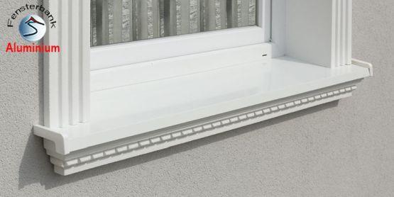 Millimetergenau eingesetzte Alu Außenfensterbank Stuckmuster Kairo 106-K