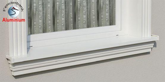 Passgenau eingebaute Alu Fensterbank Stuckmuster Nürnberg 124
