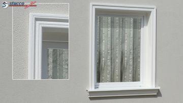 Fensterumrandung mit beschichteter Zierleiste Oxford 102 und Alu Fensterbank 124