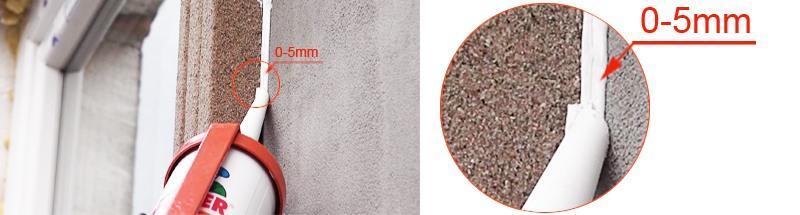 Abstand zwischen Hausfassade und Zierprofil mit Styroporkleber auffüllen
