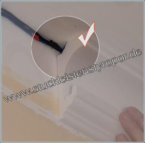Hauptkabel hinter den Stuckleisten für indirekte Beleuchtung verbergen