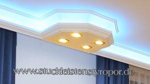 Indirekte Beleuchtung mit Stuckleisten aus Styropor und RGB LED Strips