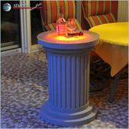 Beschichtete Dekosäule mit rot leuchtender RGB LED Beleuchtung