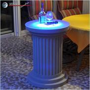 Beschichtete Stucksäule mit blau leuchtender RGB LED Beleuchtung