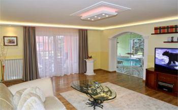 led lampen spots und streifen zur deckenbeleuchtung. Black Bedroom Furniture Sets. Home Design Ideas