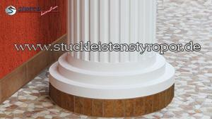 Beschichteter Säulenfuß mit gefliestem Sockel OFMK Stuckprofil