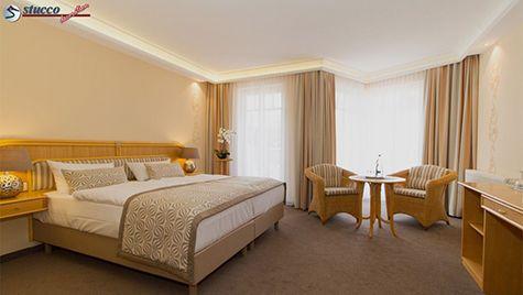 Schlafzimmer Beleuchtung mit LED Stuckleisten