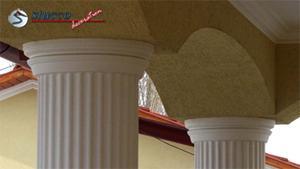 Beschichtete Säulenkapitelle mit Stuckmuster Ankara 108 an beschichteten Dekosäulen