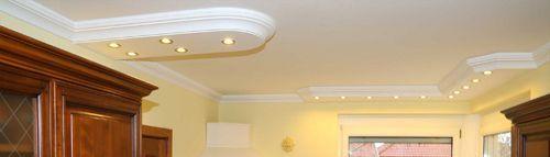 Stuckverzeirung mit LEDs in der Küche