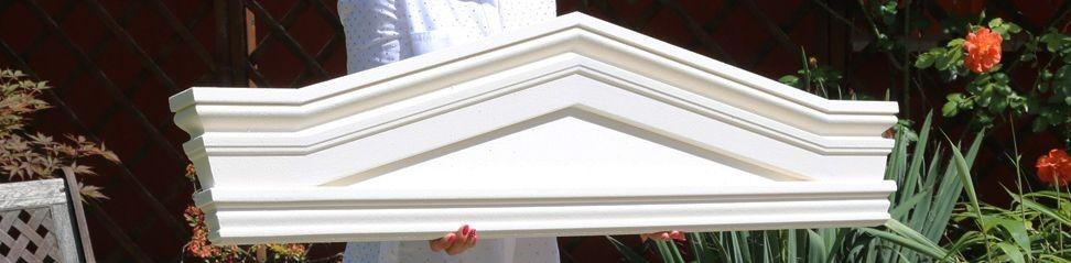Komplette Tympanons als anbaufertige Fassadenelemente